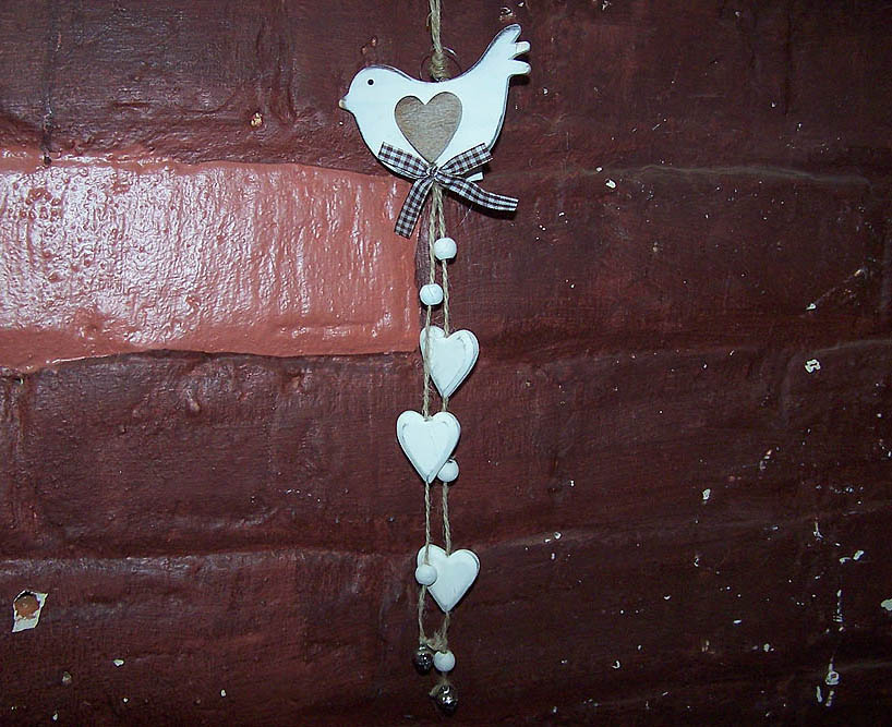 Hanging Cream Wooden Bird & Hearts -